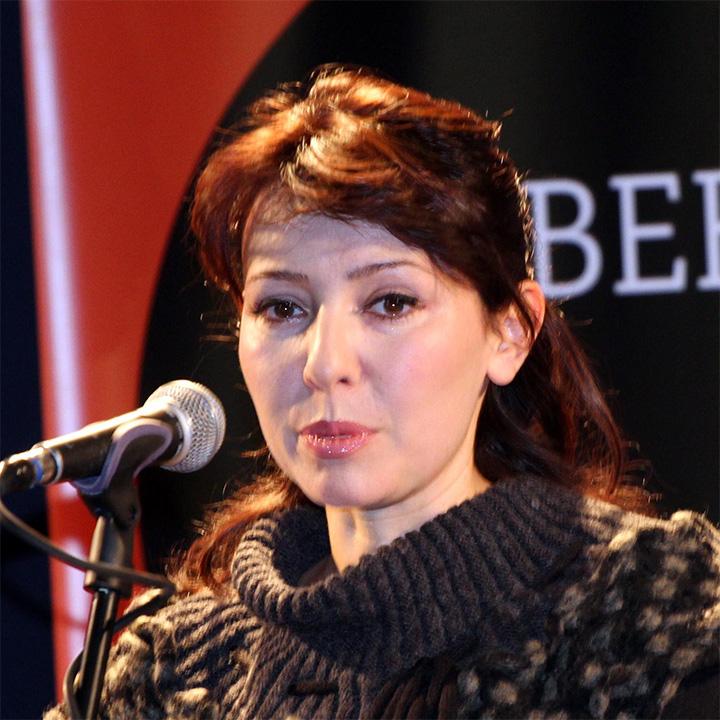 alberta-alkalay-2013-720p